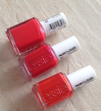 too too hot, really red & Clambake (g. à dr.) de Essie