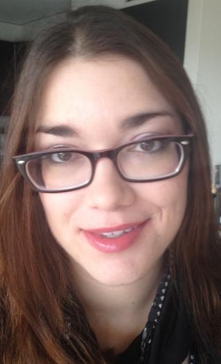 portrait yeux ouverts lunettes